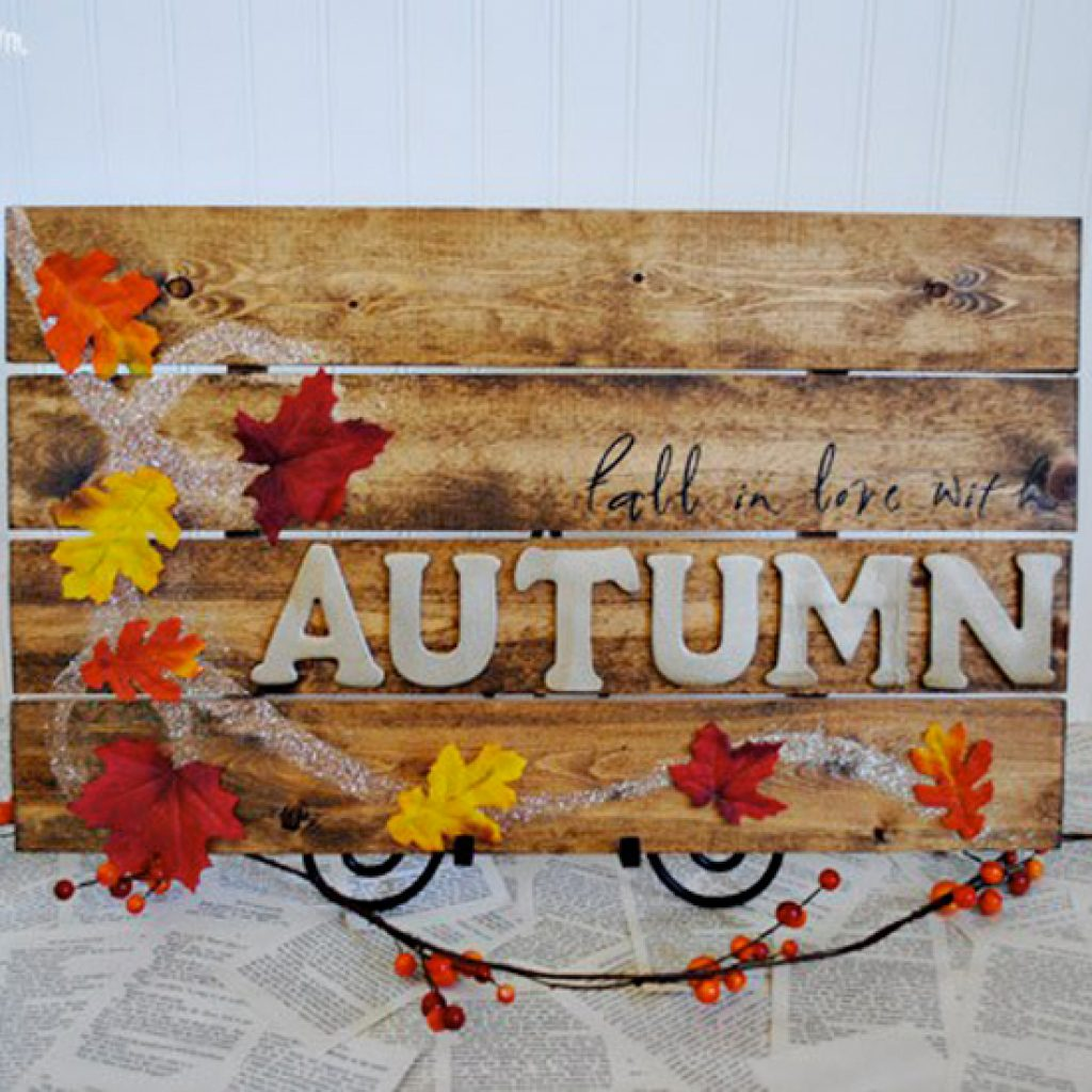 pallet style halloween signs via chalkboard blue